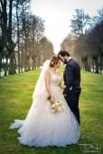 Brautbilder voller Sinnlichkeit und Liebe in traumhafter Kulisse fotografiert der Hochzeitsfotograf in der Orangerie Nuernberg.