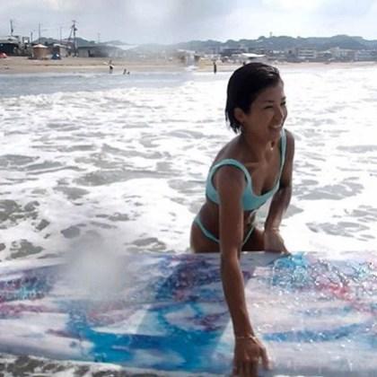 【日本人40代ビキニ美女】水着選び 2020年大人はブラジリアンビキニ をこう着こなす