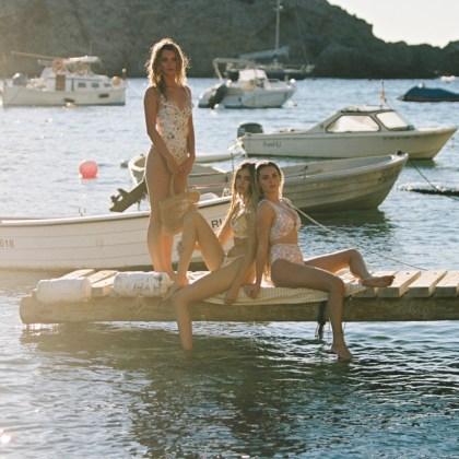 普通が可愛い!南米インフルエンサーによる2021年最新水着はスッキリデザイン