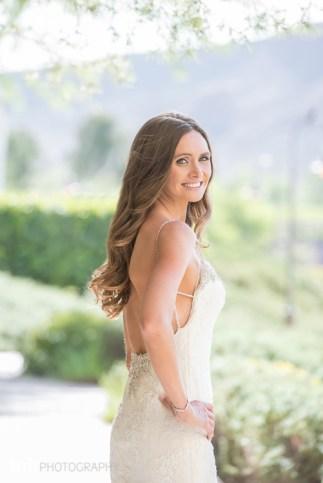 Bridal Spectacular_KMH-ChivarskyWedding-HiltonLakeLV-00200054