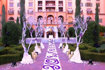Hilton_Florentine-Garden-in-the-Round-900x600