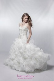 LorenzFoto_Spectacular-Bride_003_Blog