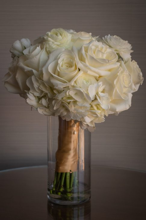 White bridal bouquet at a luxurious las vegas destination wedding.