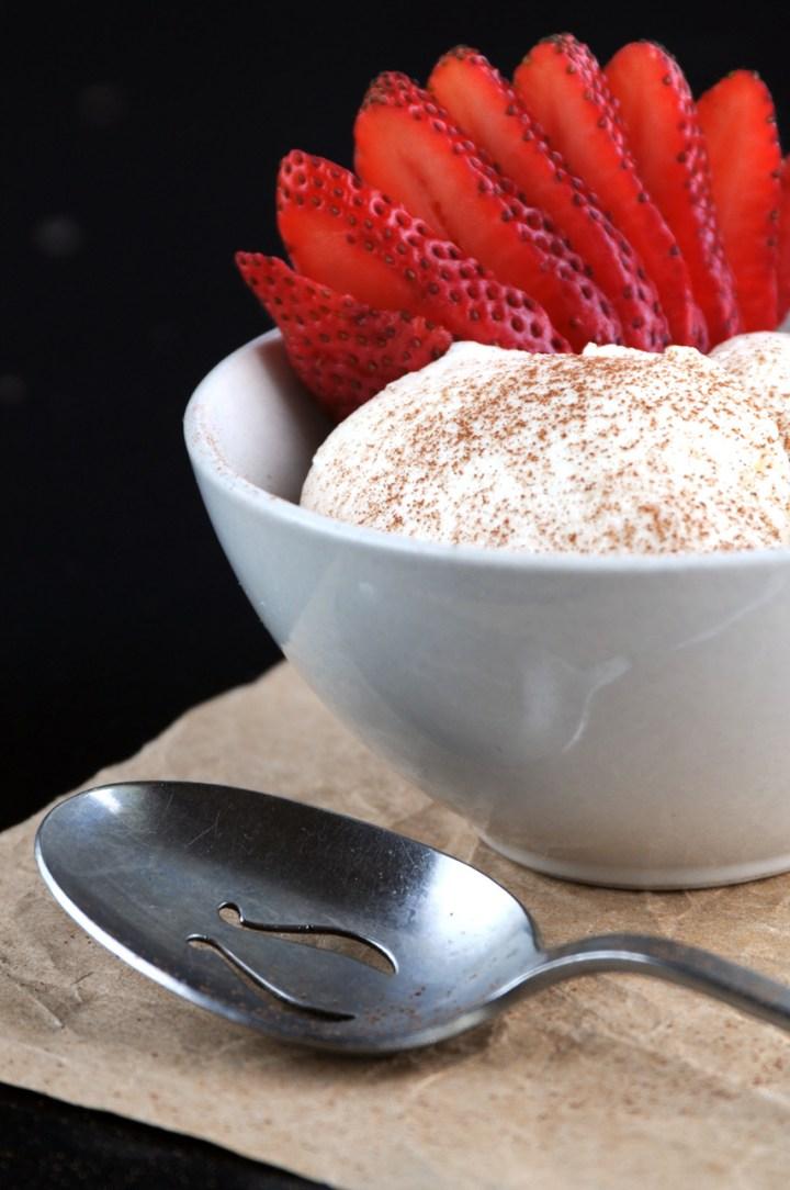 Dreamy Russian Cream With Cinnamon