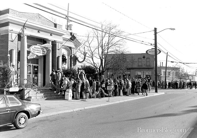 Lines outside Of Bronner's Christmas Wonderland In Frankenmuth, MI In The Early 70s.