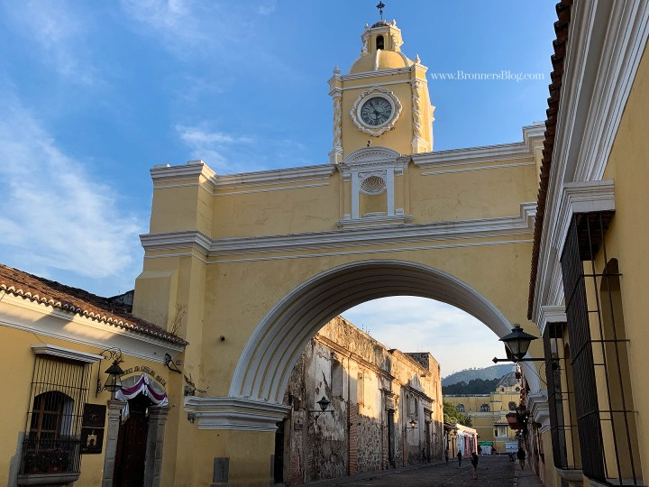 The famous Arco de Santa Catalina arch in Antigua, Guatemala.