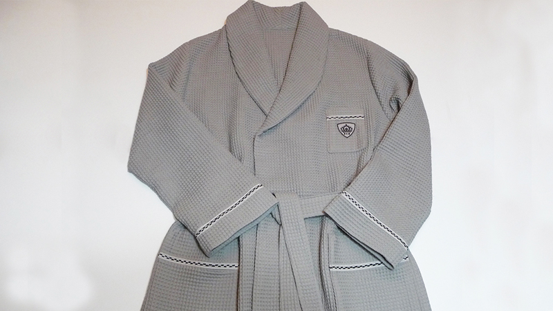 Spa Style Men's Robe – Foot of the Month