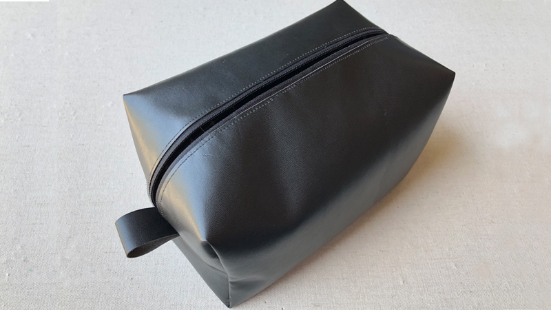 Look Dapper with a Well Groomed Vinyl Dopp Kit
