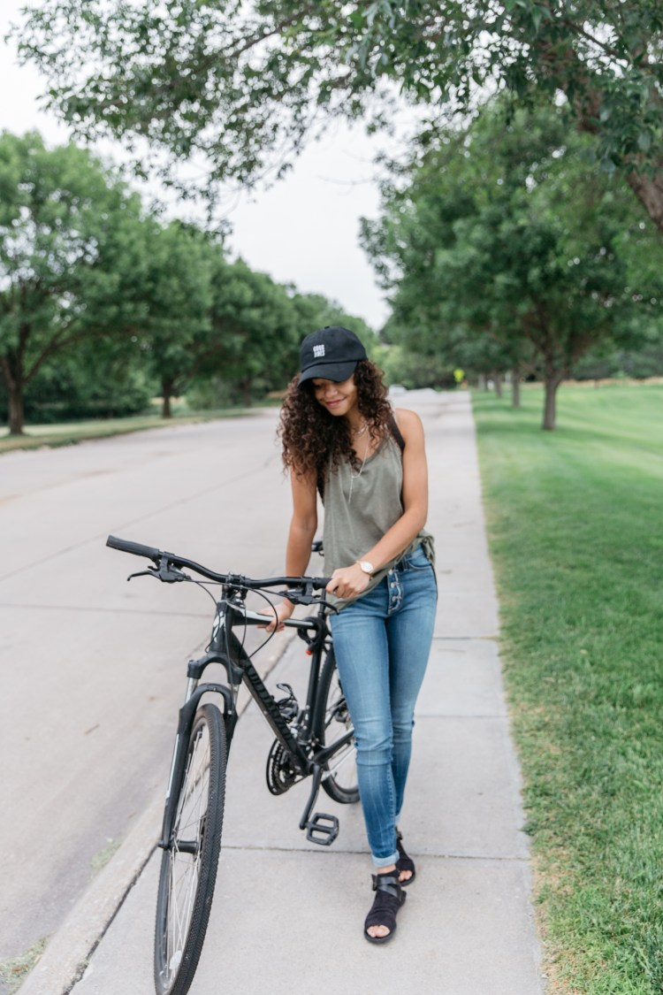 Bike Style: Get tips on commuter fashion.
