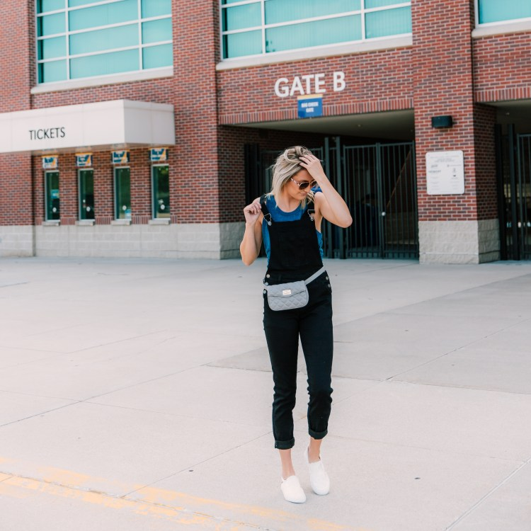 College Game Day Outfits for Tailgating
