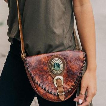Women's Leatherock Dakota Stone Leather Crossbody Belt Bag Purse