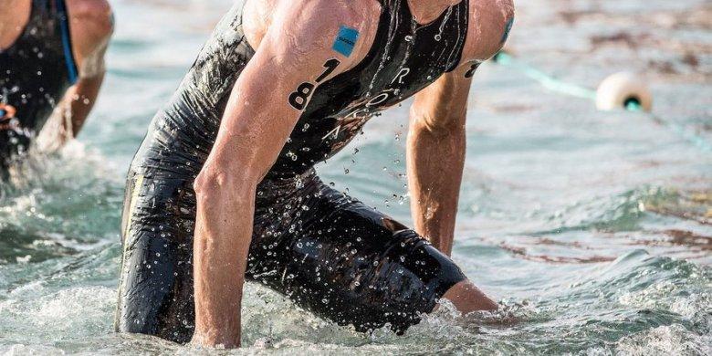 Hydrophobic tri-suit