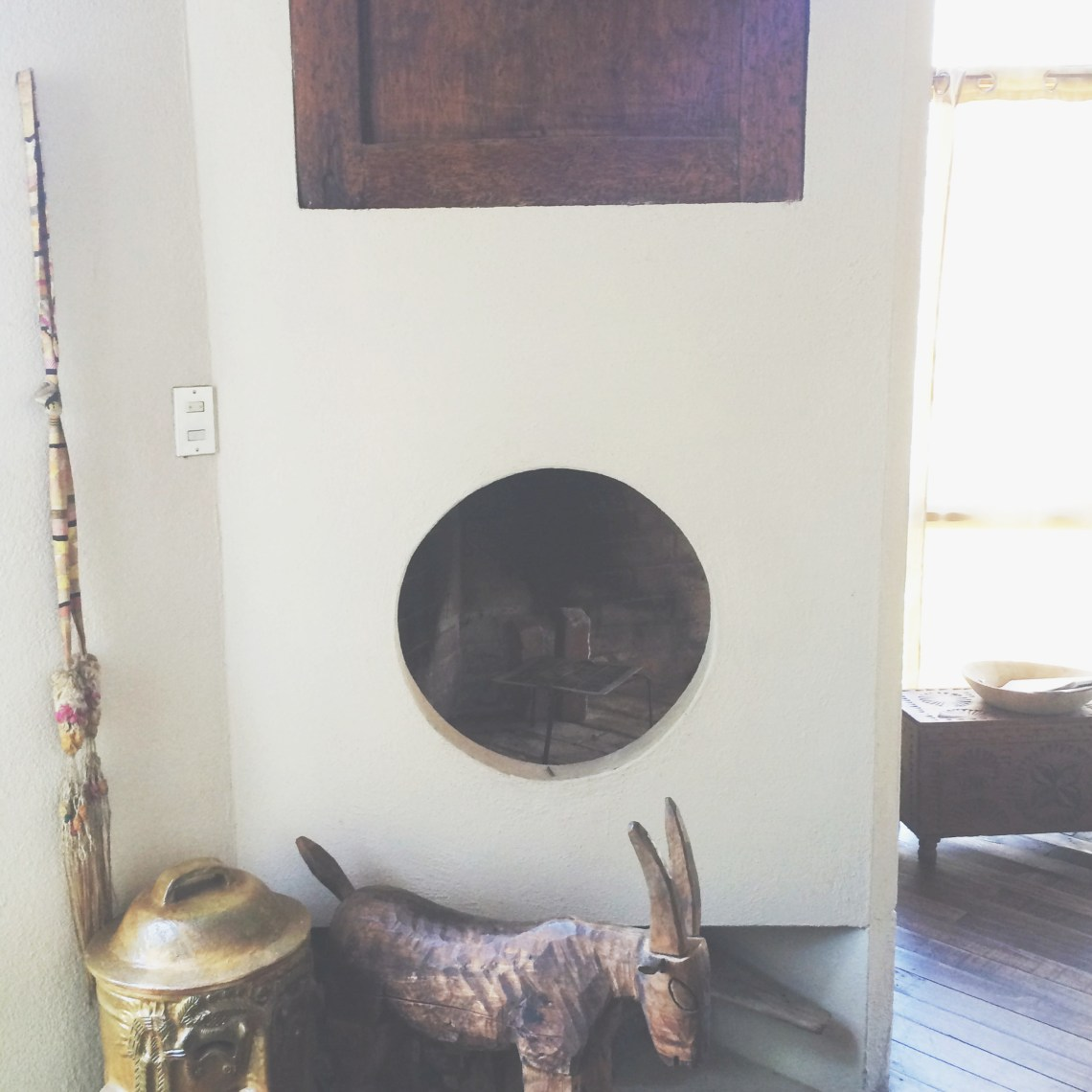 Circular Fireplace with Artisan Crafts