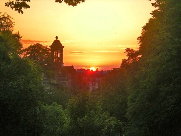 Sunset in Buttes Chaumont