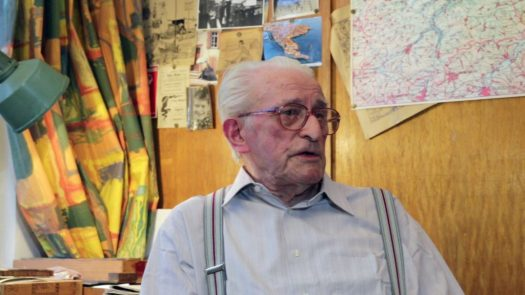 Hans Neupert in seinem Atelier in Schmölln, 2015. Foto: Jörg Kirmse.