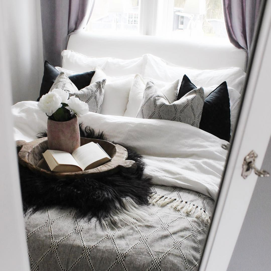 Stunning white/black/grey Bedroom