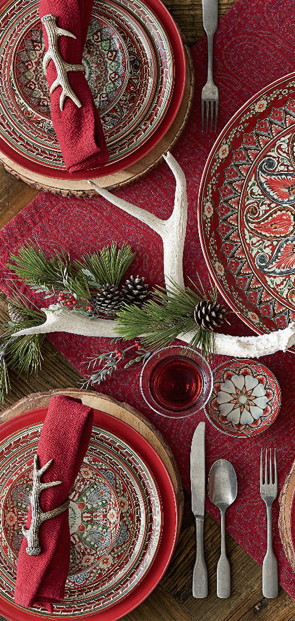 Christmas Lodge Tablescape | Christmas Decorating Ideas