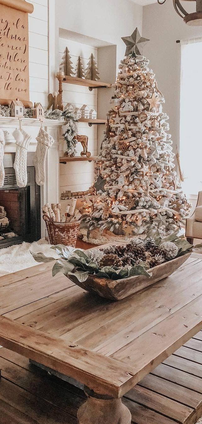 Farmhouse Christmas Tree   The Lovely Deco