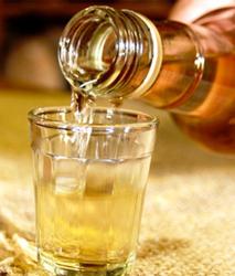 Cachaça no copo shot