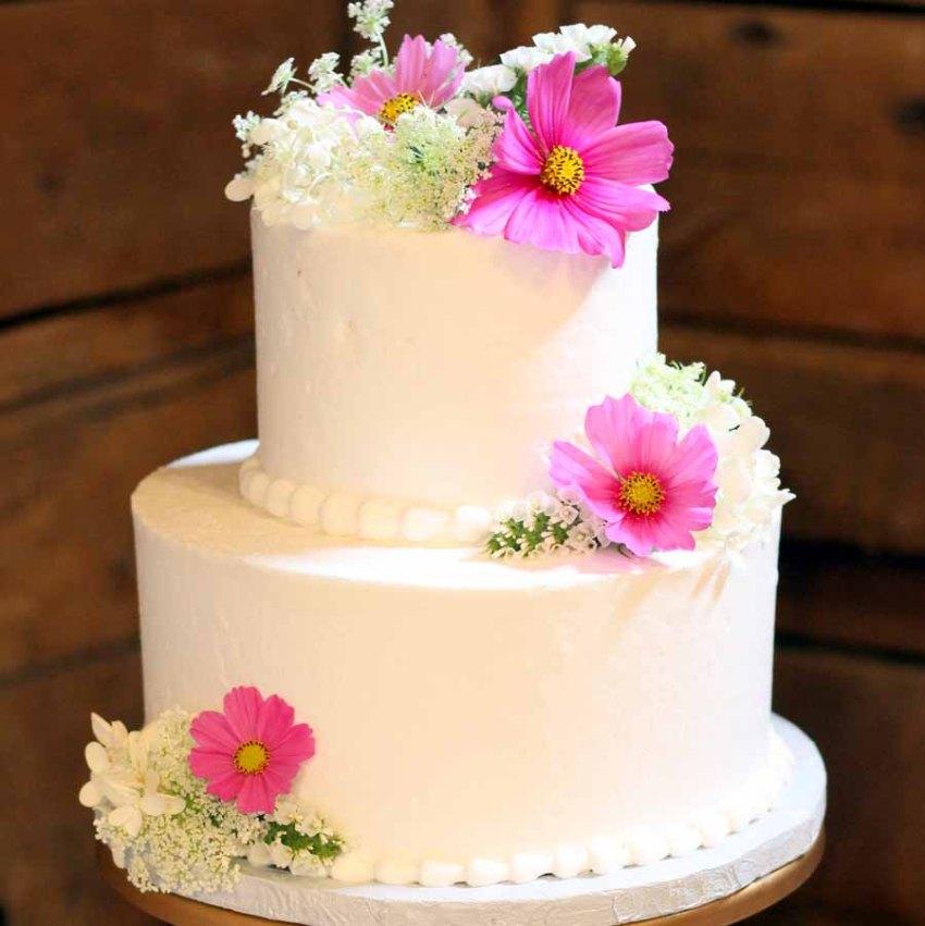 began wedding cake from Cafe Pierrot in Sparta NJ