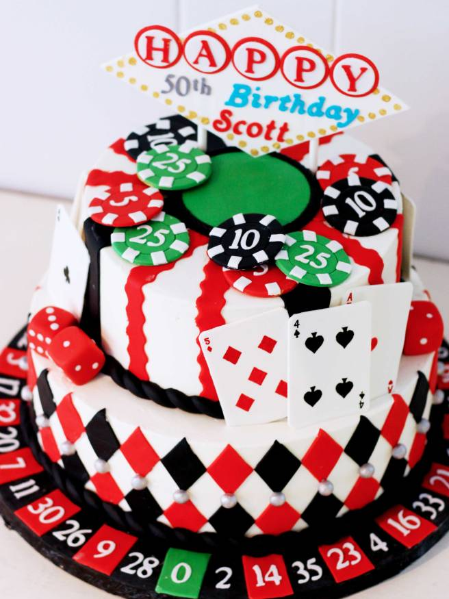 1139-Poker-cake-two-tiers