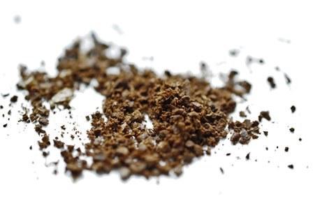 Kawę do American Pressa mielimy na drobny piasek.