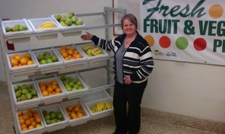 Cambro School Solutions Healthy Snack Cart