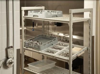 CSDBA Divider Bar on Camshelving in Kitchen