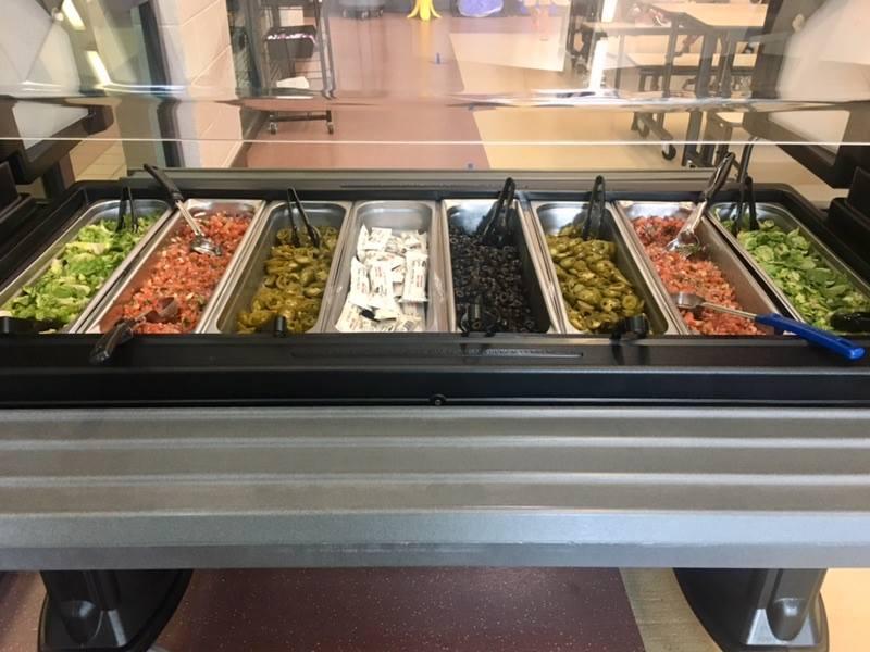 topping bar salad bar 1
