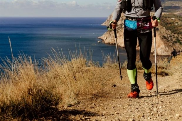 how to use trekking poles while hiking
