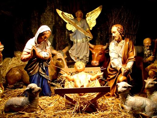Resultado de imagem para imagem de jesus, maria e josé no presépio