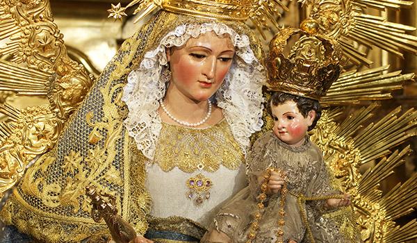 Saiba qual a origem da festa de Nossa Senhora da Luz e a sua ligação com outras festas celebradas na mesma data.