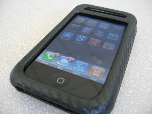 Original iPhone inside the Case-Mate black carbon fiber leather case