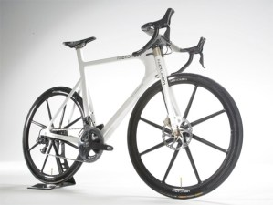BERU Factor 001 carbon fiber bike