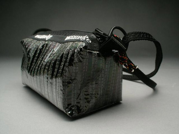 RAGGEDedge Carbon Fiber Purse: Carbon Fiber/ Black