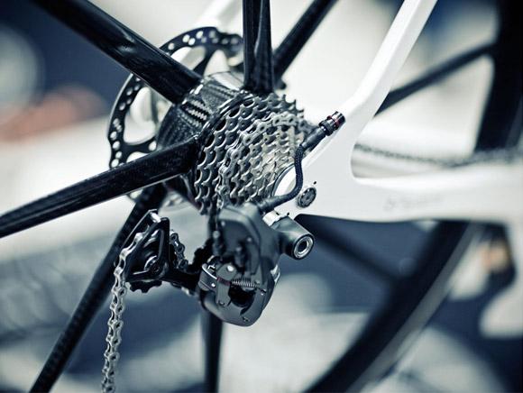BERU Factor 001 carbon fiber bike wheel