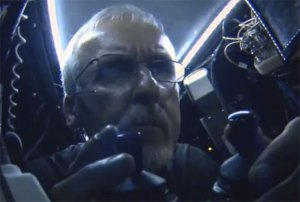 James Cameron Uses Carbon Fiber to Travel 7 Miles Deep into the Ocean