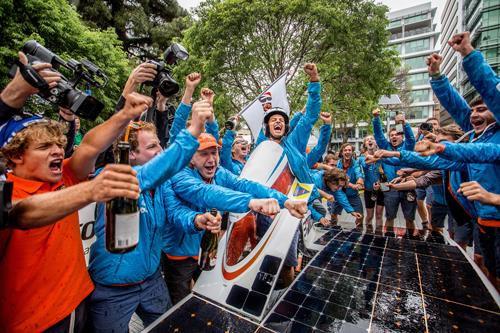 Nuon Solar Team wins 2013 World Solar Challenge