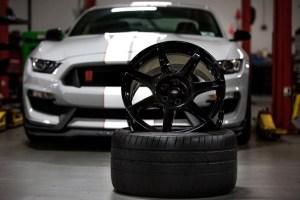 Carbon fiber wheel for Ford
