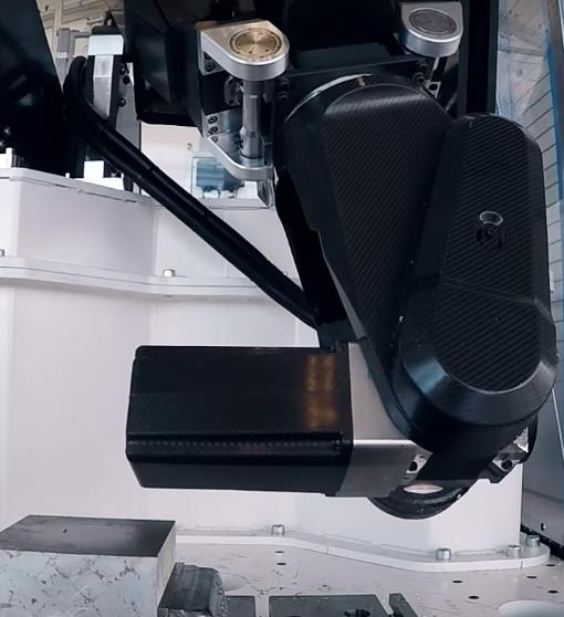 World's first machine tool robot made from carbon fiber