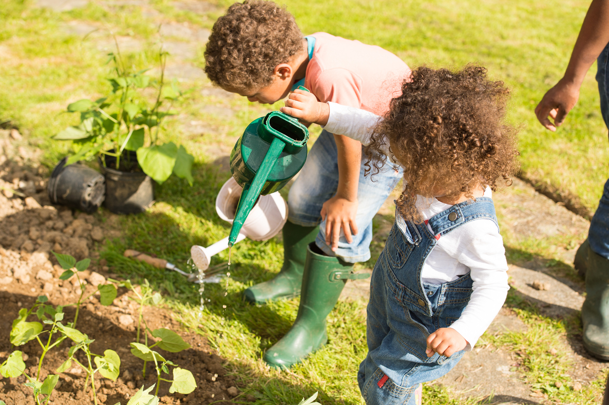 Top five misconceptions of sun-safe play in child care