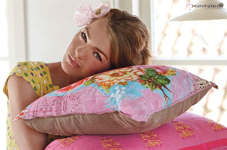 almofadas-decorativas-para-decorar-o-quarto