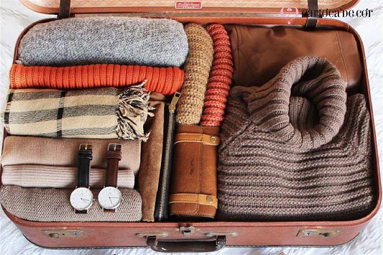 roupas com cores neutras para viagem