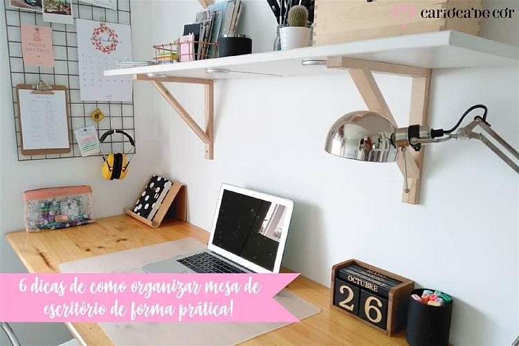 Imagem de uma mesa de escritório organizada