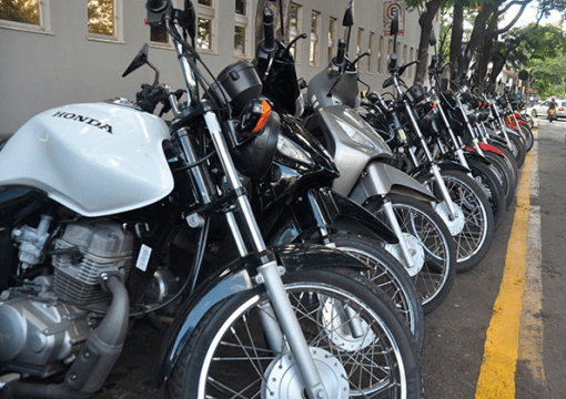 estacionar moto