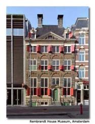 La facciata del palazzo della casa museo di Rembrandt ad Amsterdam
