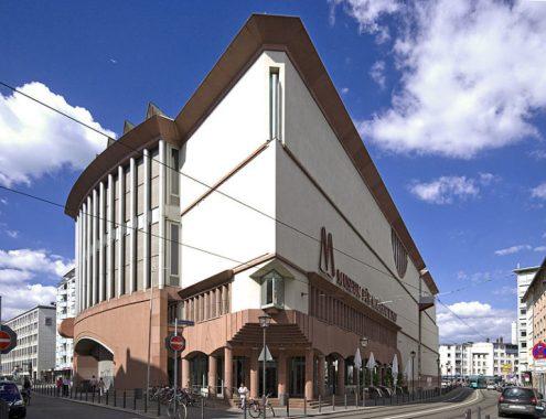 Museo d'arte moderna a Francoforte sul Meno di Hans Hollein