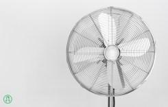 ventilatore a 4 pale con griglia in metallo