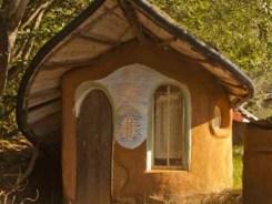 Cob House www.cobcottage.com