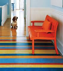 pavimenti resilienti in linoleum a strisce colorate